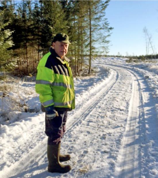 Kenneth Eklöv på sin skogsväg 2016